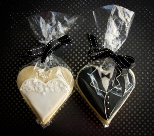 Bride and Groom cookie favours