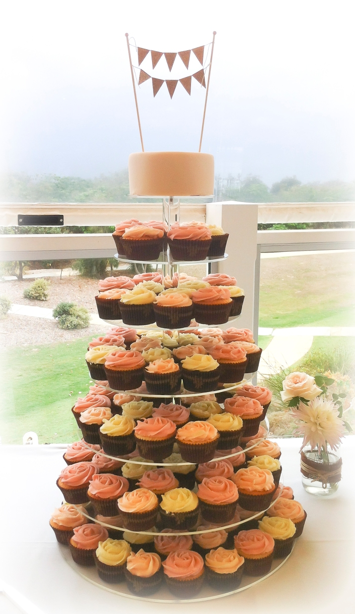 Vintage Bunting Cup Cake Tower with 120 cupcakes