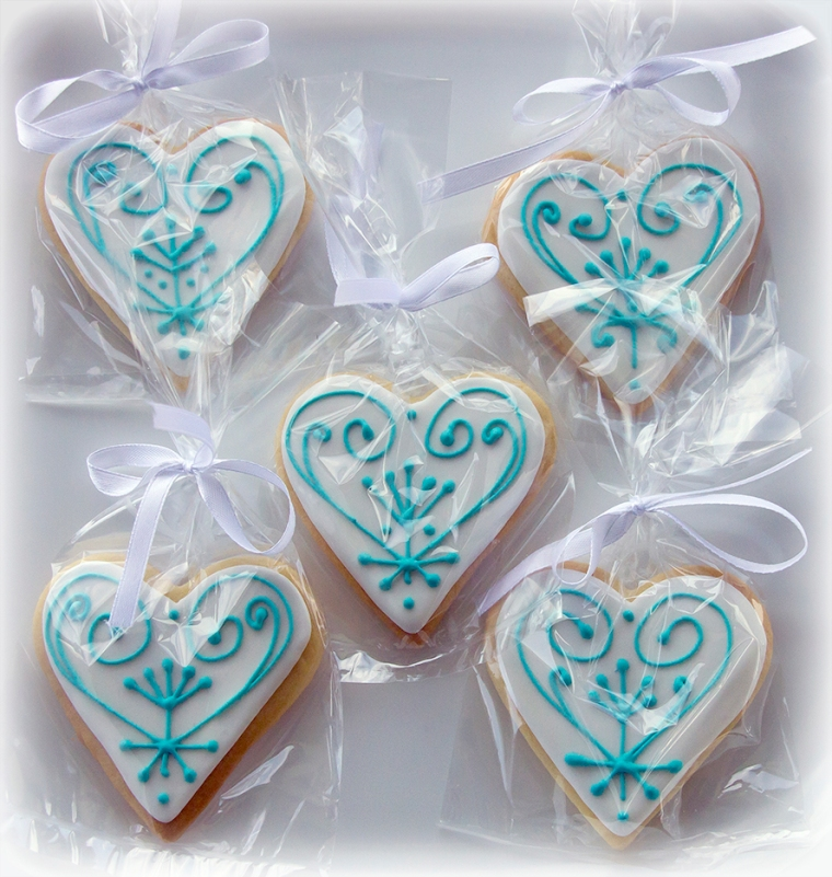 Iced Cookie Favours in White and Aqua