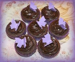 Belgian Chocolate Cupcakes with dark chocolate ganache swirl