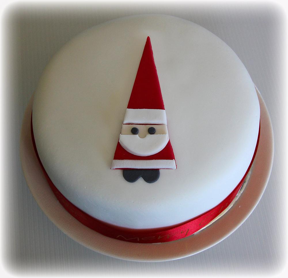 Cute Christmas Cake Images : Christmas Cake with Santa cute sweet things