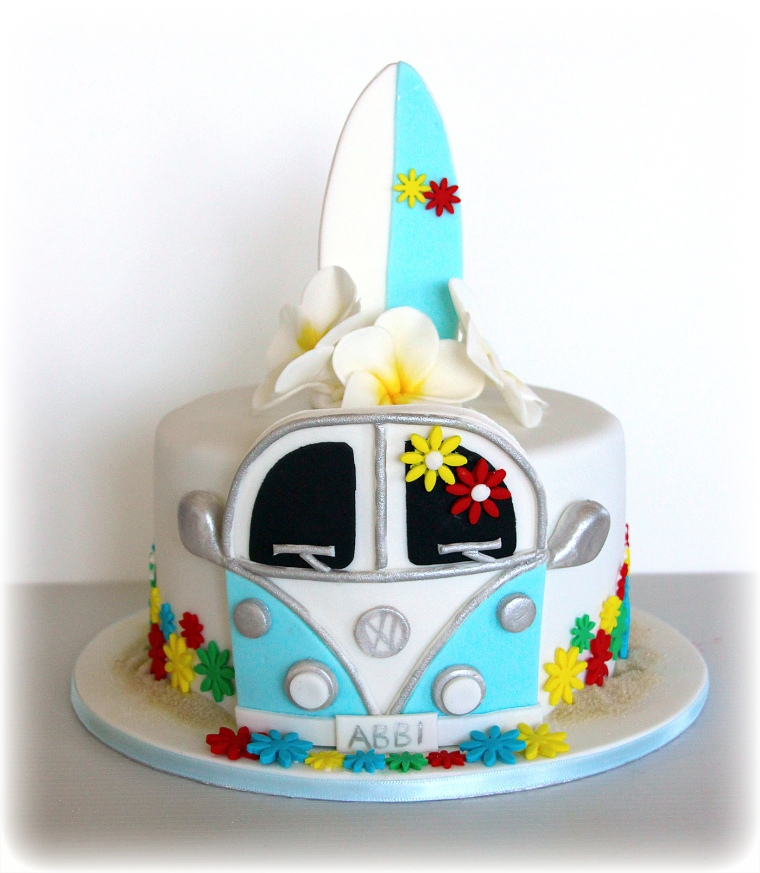 Kombi Surfboard and Flowers cake