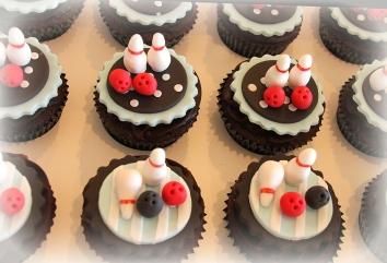 Ten Pin Bowling Cupcakes
