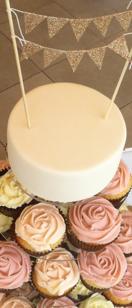 Bunting cup cake tower