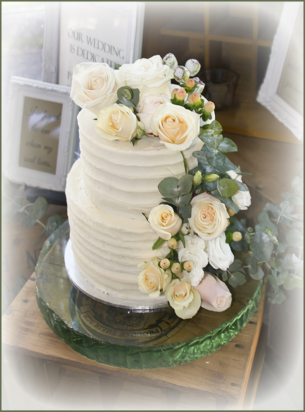 white wedding cake cupcakes from scratch wedding cakes cakes 27340