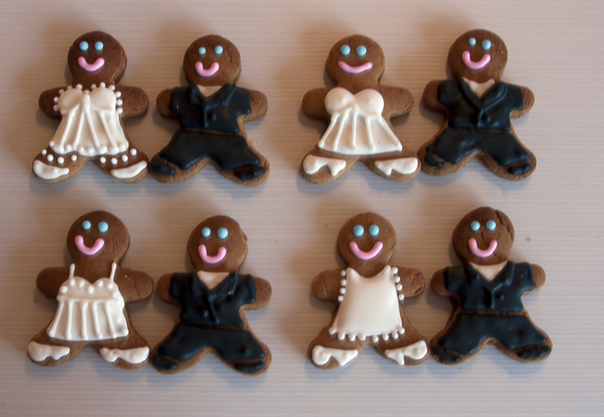 Small Bride and Groom Iced Cookie Favours