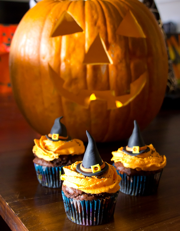 Witches Hat Halloween cupcakes
