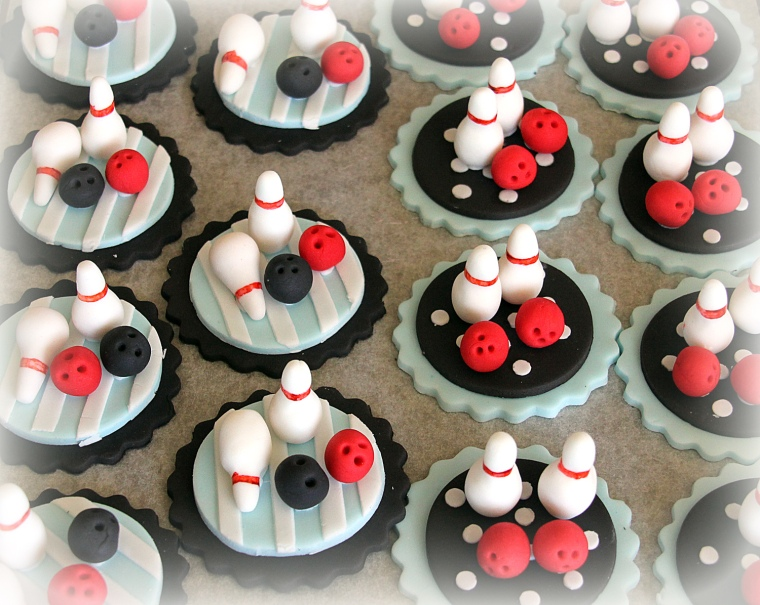 Ten Pin Bowling cupcake toppers
